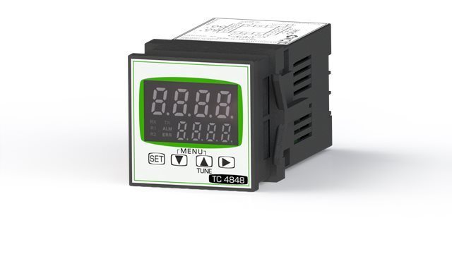 SYNCHRO SRL Universal controller with one contact relay, 48x48 mm